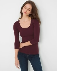 Three Quarter-Sleeve Seamless Tee