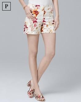 Petite 5-Inch Floral Coastal Stretch Shorts | Tuggl
