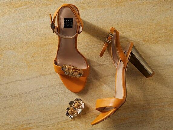 12771f492b2 Goldtone-Heel Flats